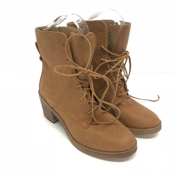 10b4e59bf01 New Ugg Oriana Ankle Boots Size 7.5